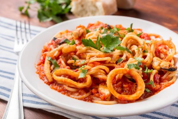 pasta-calamares-salsa-americana-king-john